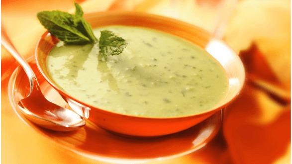 een mooi soepkommetje maakt deze soep nog lekkerder