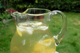 glazen kan ijsthee
