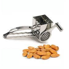 handmolen voor noten en kaas