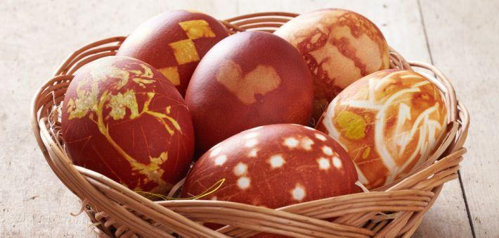 natuurlijke versierde eieren