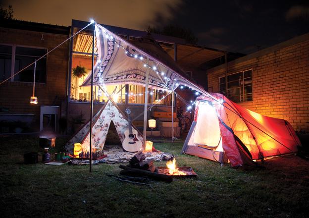 dora-kamperen-in-tuin